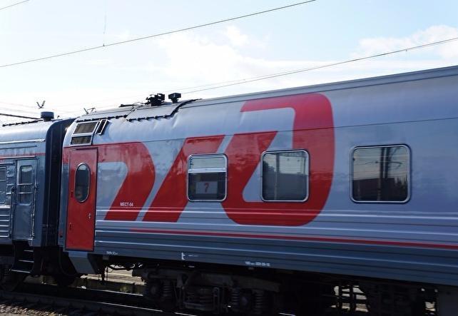 В Югре пассажирский поезд Адлер — Нижневартовск на переезде столкнулся с грузовиком