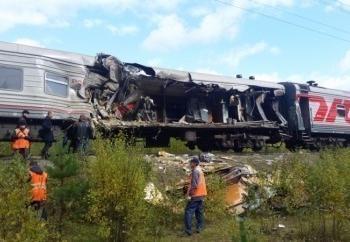 Водителю грузовика, въехавшего в поезд в ХМАО, изменили обвинение из-за смерти пассажира