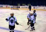 Юные хоккеисты Тюмени и Югры устроили на льду массовую драку. ВИДЕО