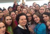 Комарова рассмотрит более 200 молодежных проектов