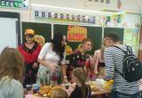 В школах Нягани проходят осенние благотворительные ярмарки. ФОТО