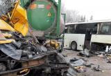 В Нефтеюганском районе на трассе «Тюмень — Ханты-Мансийск» - ДТП с КамАЗом и автобусом