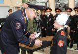 Главный полицейский Югры посвятил в кадеты учащихся няганской школы №1. ФОТО