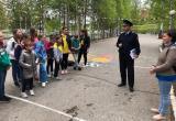 В Нягани сотрудники полиции провели мастер-класс для юных велосипедистов. ФОТО