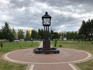 Часы в городском парке