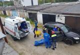 В Нягани на территории гаражного кооператива травмировался мужчина. ФОТО