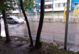 В Нягани проливной дождь затопил дороги и подъезды домов. ФОТО, ВИДЕО