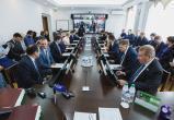 Власти ХМАО предложили Ямалу участие в трех крупных дорожных проектах