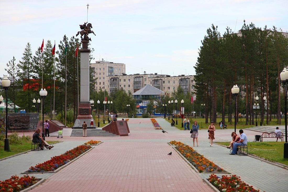 Фото Нягань, центральная площадь
