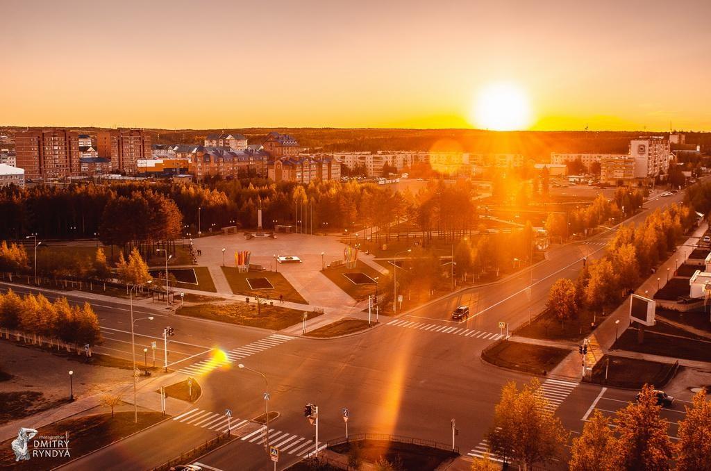 Фото Нягань, перекрёсток ул. Ленина и просп. Нефтяников