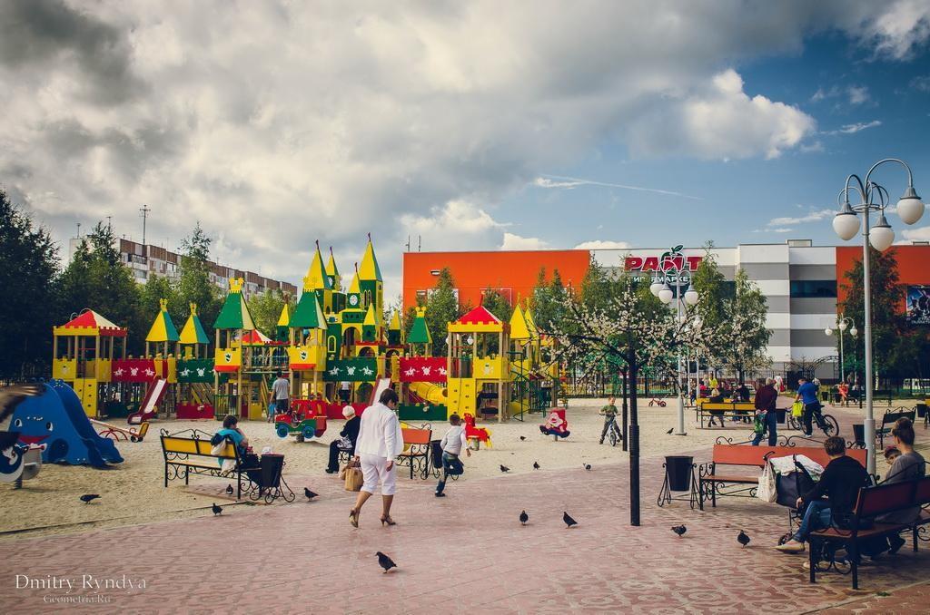 Фото Нягань, Детская площадка в 1 мкр.