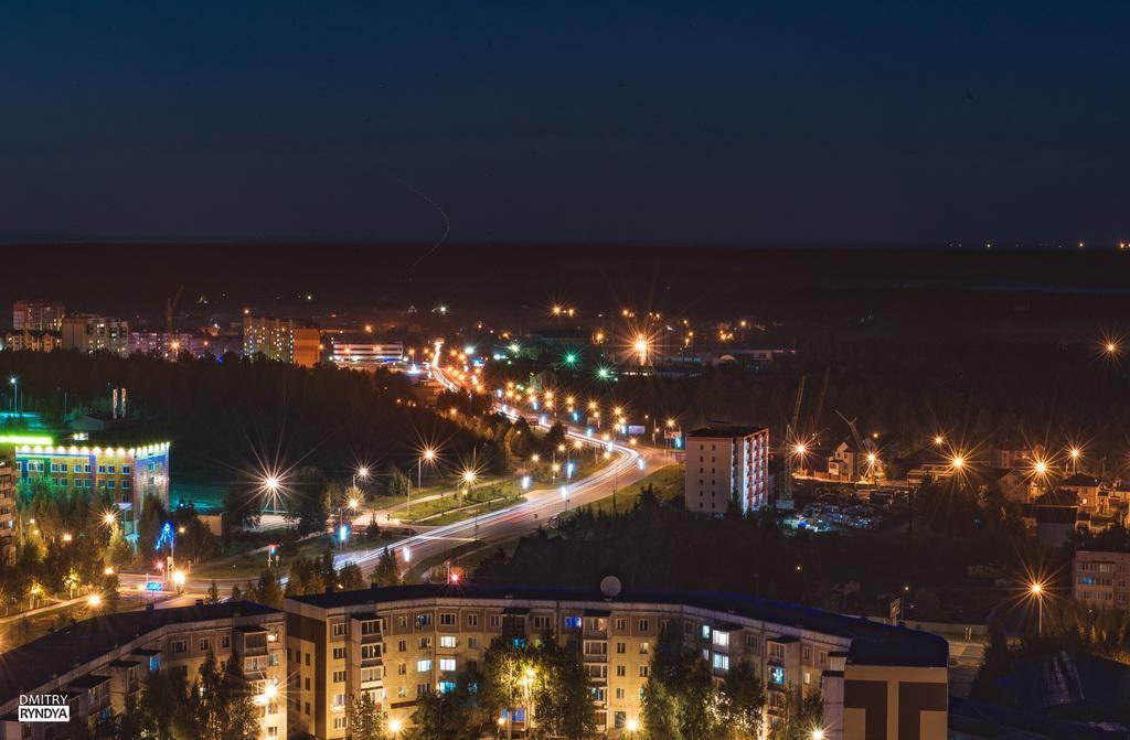 Фото Нягань, вид на ночной город.